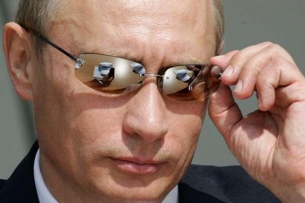 Лукашенко: Мир с Россией из-за выгоды, а Путин хочет нас присоединить